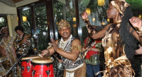 MOUSTIQUE ET LA COURS DES GRANDS - Nyege Nyege music festival, Jinja Uganda